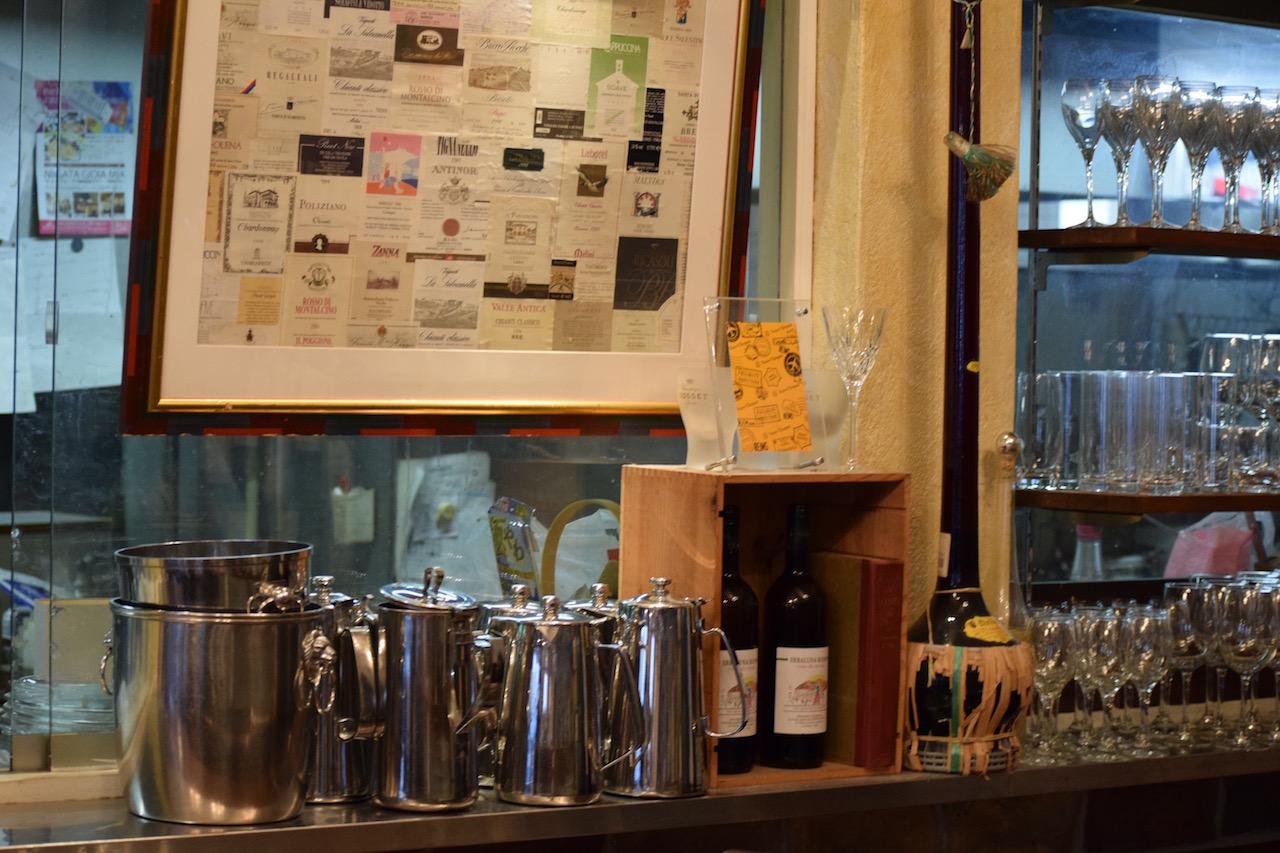 ソフトドリンクもお酒も本格的なメニューを提供します